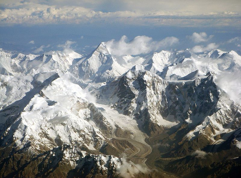 Large mountain range similar to Himalaya or Alps, rised at Finland. Tian Shan from Himalayan belt is shown. Image: Chen Zhao, Wikimedia.